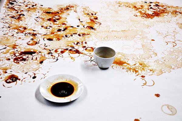 perierga.gr - Ένα πορτρέτο φτιαγμένο από καφέ!