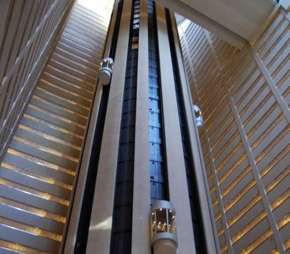 Perierga.gr - Διαστημικός ανελκυστήρας στην Ιαπωνία μέχρι το 2050!