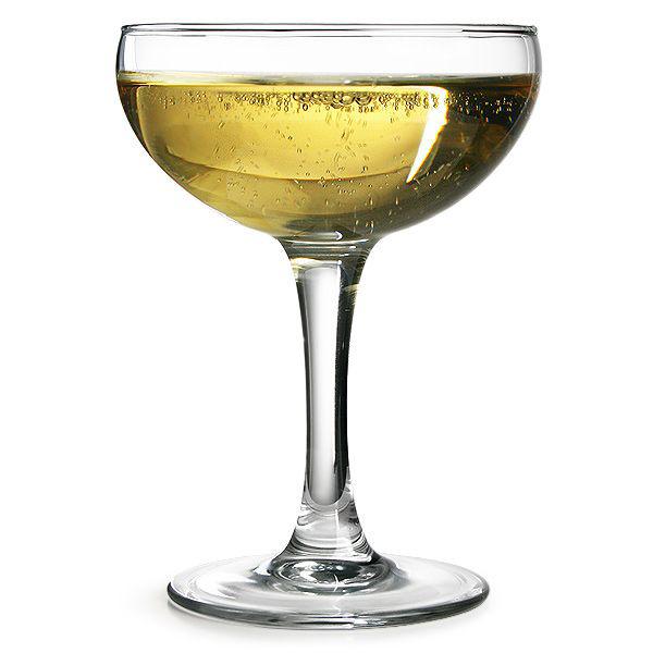 perierga.gr - Θέλει και το ποτό το... ποτήρι του!