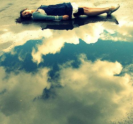perierga.gr - Παίζοντας με τα σύννεφα!