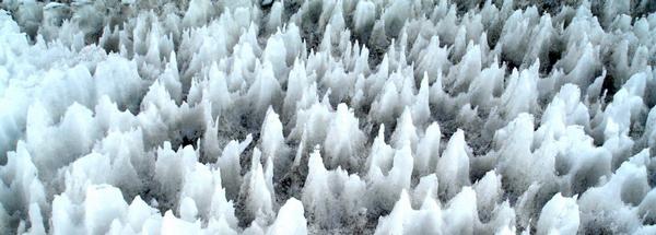 Όταν το χιόνι... κόβει σαν ξυράφι!