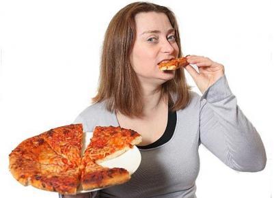 Perierga.gr - Τρώει μόνο πίτσα επί 31 ολόκληρα χρόνια