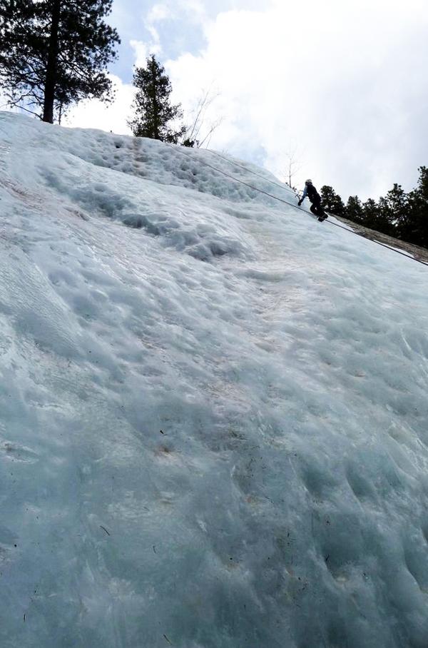 Ένα σπάνιο παγωμένο ποτάμι στη Ρωσία!