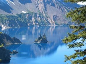 perierga.gr - Πανέμορφη λίμνη που... σκοτώνει!