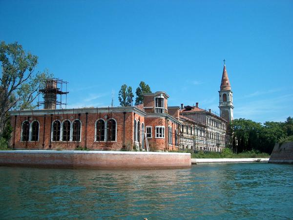 """Poveglia: Το """"στοιχειωμένο"""" νησί της Ιταλίας!"""