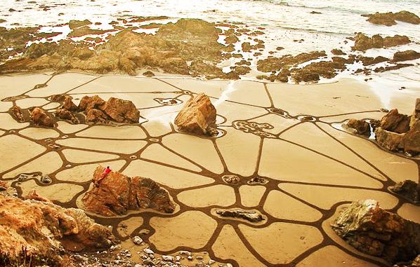perierga.gr - Εφήμερα έργα τέχνης στην άμμο!