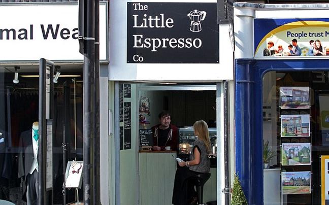 Perierga.gr - Το πιο μικρό καφέ...