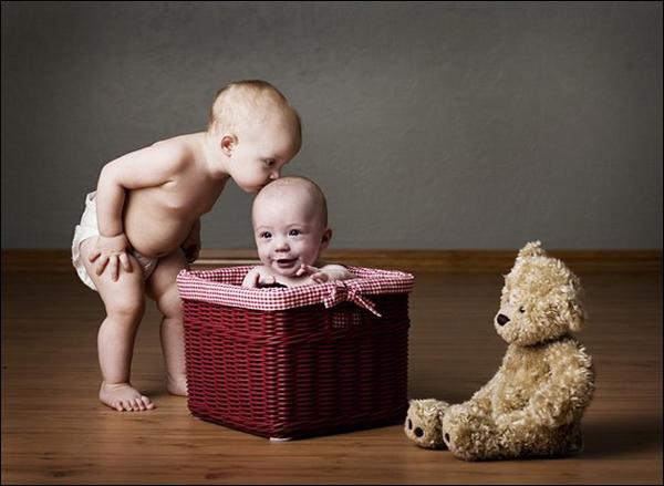 diaforetiko.gr : childrenkiss1 Παιδικά… φιλιά γεμάτα γλύκα!
