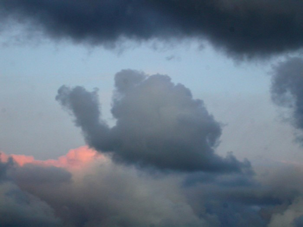 perierga.gr - Αυτά τα σύννεφα κάτι μου θυμίζουν!