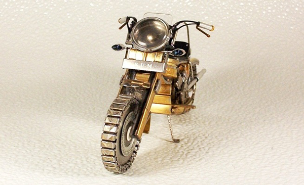 perierga.gr - Μινιατούρες μοτοσικλετών από... ρολόγια χειρός!