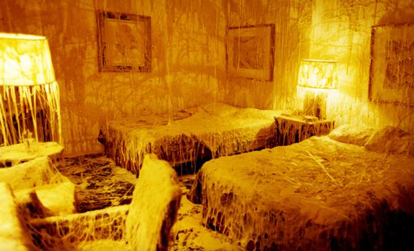 "perierga.gr - Ένα ""cheese room"" για... τυρολάγνους!!!"