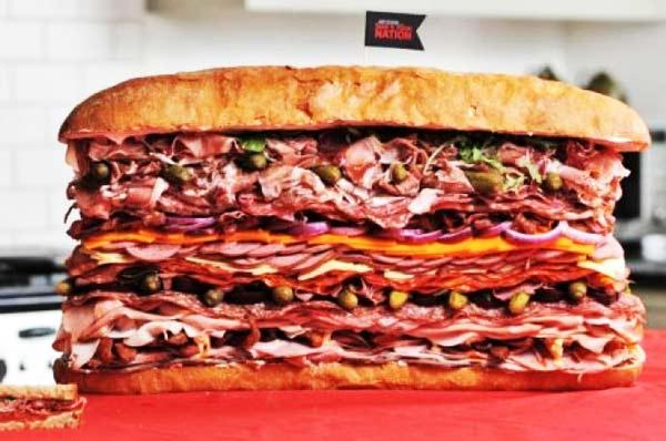 perierga.gr - Ένα σάντουιτς αποκλειστικά για... σαρκοφάγους!