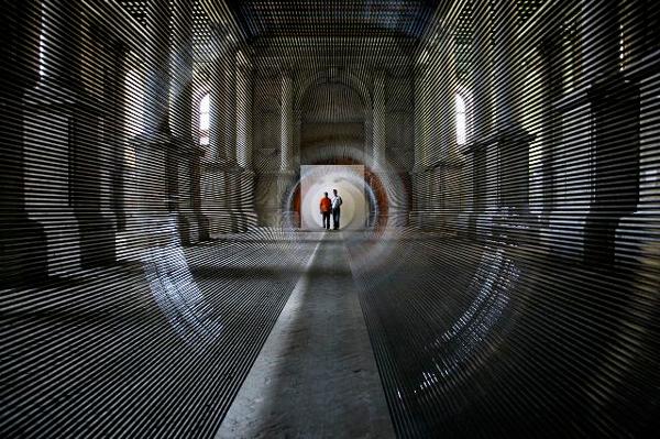 perierga.gr - Ένα τούνελ από... ταινίες βιντεοκασετών!