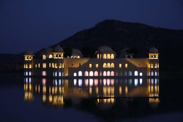 "Jal Mahal: Το παλάτι που ""βυθίστηκε"" στη λίμνη!"