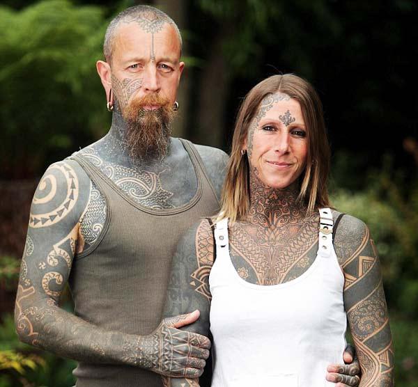 perierga.gr - Το ζευγάρι με τα περισσότερα τατουάζ!