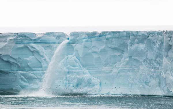 perierga.gr - Εκπληκτικοί καταρράκτες στους παγετώνες!