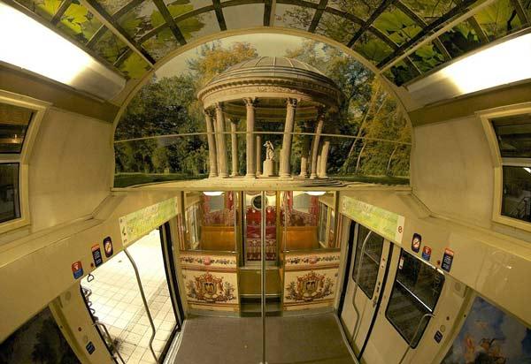 """perierga.gr - Ένα αστικό τρένο """"μεταμορφώθηκε"""" σε παλάτι!"""