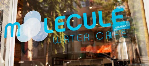 perierga.gr - Καφετέρια πρωτοτυπεί και σερβίρει μόνο... νερό!