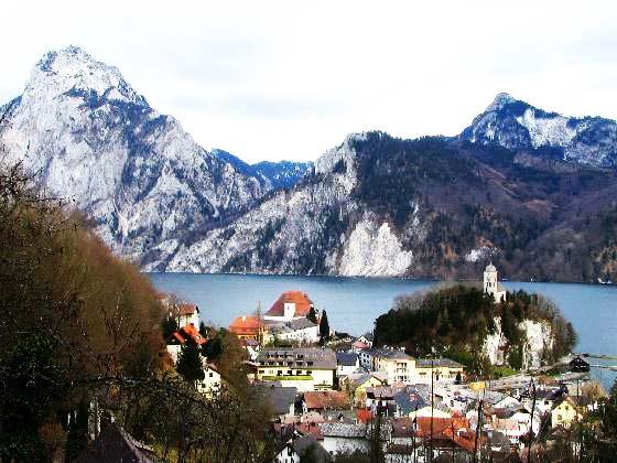 perierga.gr - Gmunden: Ένα χωριό του Βορρά με τη γοητεία του Νότου!