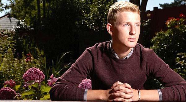 perierga.gr - Ο 20χρονος που δεν μπορεί να ξεχάσει!