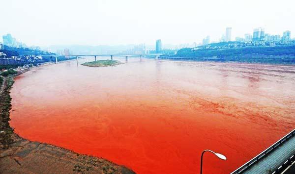 perierga.gr - Κατακόκκινος ποταμός στην Κίνα!