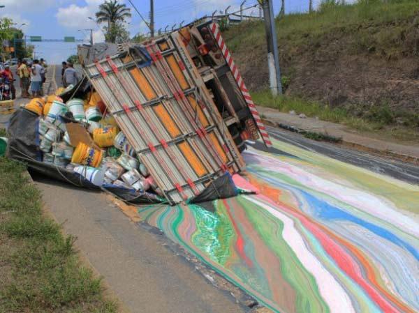 perierga.gr - Ένας απροσδόκητος πίνακας ζωγραφικής στην άσφαλτο!