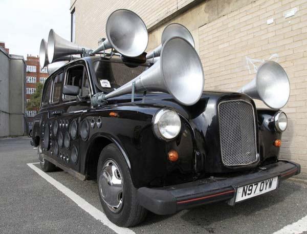 perierga.gr - Ταξί μετατρέπει το θόρυβο των δρόμων σε μελωδία!