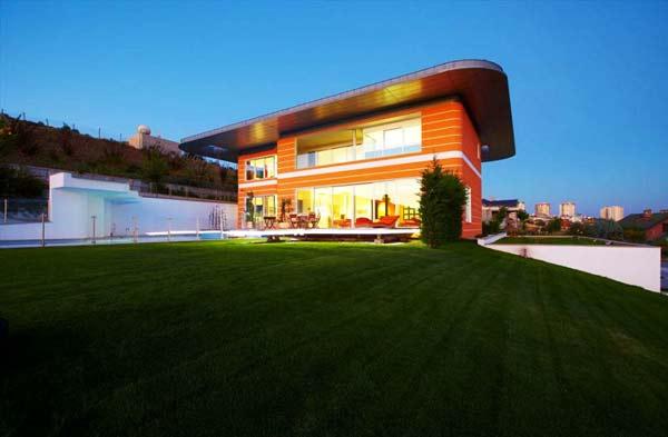 perierga.gr - Orange House: Το σπίτι που αλλάζει χρώματα!