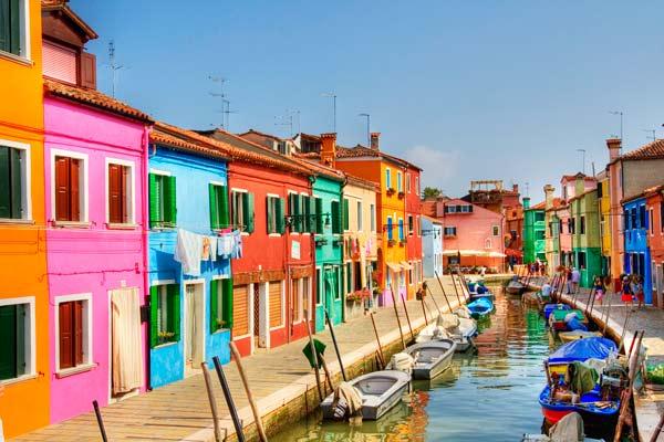 Burano: Ένας προορισμός γεμάτος χρώμα!