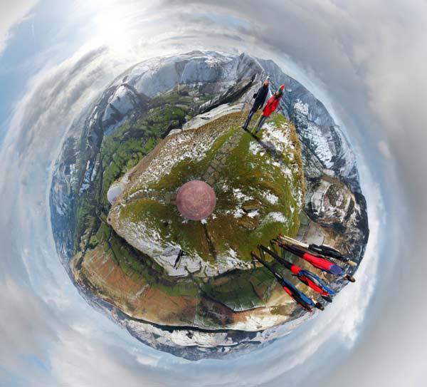 "perierga.gr - Απίθανες πανοραμικές εικόνες που μοιάζουν με ""μικρούς πλανήτες""!"