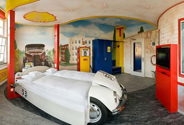 perierga.gr - Πρωτότυπο ξενοδοχείο με θέμα το αυτοκίνητο!