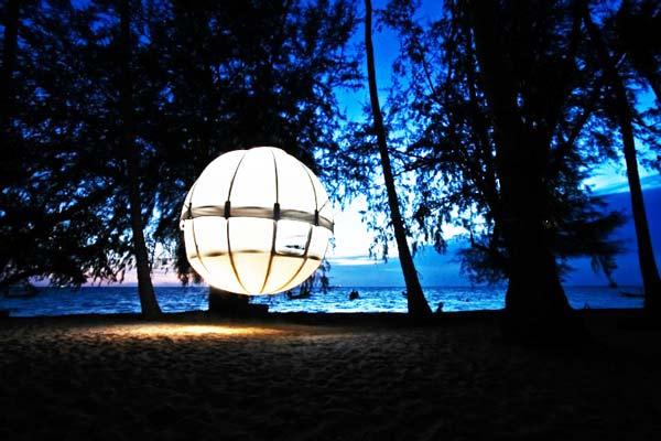perierga.gr - Cocoon Tree: Το κάμπινγκ του μέλλοντος!