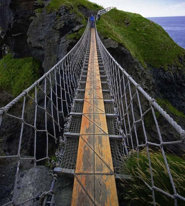 Gr 23 τρομακτικές κρεμαστές γέφυρες