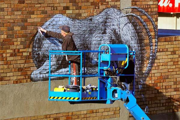 Εντυπωσιακό γκράφιτι σε όψη κτιρίου!
