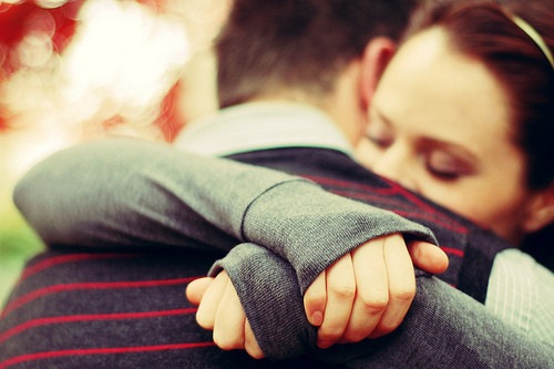 perierga.gr - Οι αγκαλιές κάνουν καλό στην υγεία!