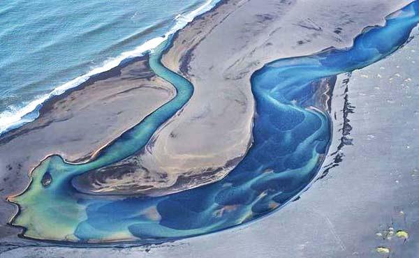 "perierga.gr - Η ""φωτογένεια"" των ποταμών από ψηλά!"