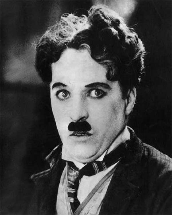 "perierga.gr - Τα 10 ""διασημότερα""... μουστάκια του αιώνα!"