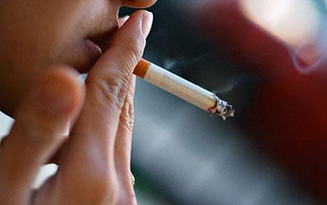 Perierga.gr - Πρωταθλητές στο κάπνισμα