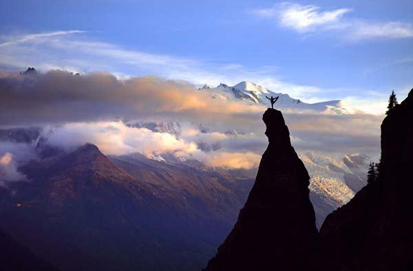perierga.gr - Γιόγκα στην κορυφή των Άλπεων!
