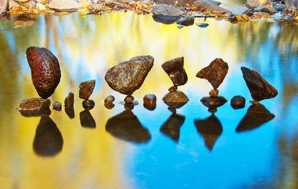 perierga.gr - Απίθανες σκηνές με πέτρες που ισορροπούν!