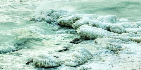 Η εκπληκτική παγωμένη Μαύρη Θάλασσα!