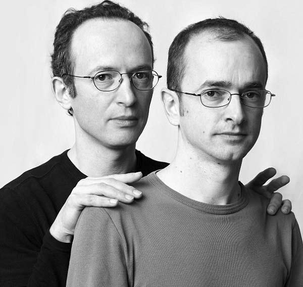 perierga.gr - Όλοι έχουμε τελικά κάπου έναν... δίδυμο αδελφό!
