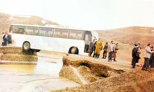 perierga.gr - Παράξενα ατυχήματα με αυτοκίνητο που δεν βγάζουν νόημα!