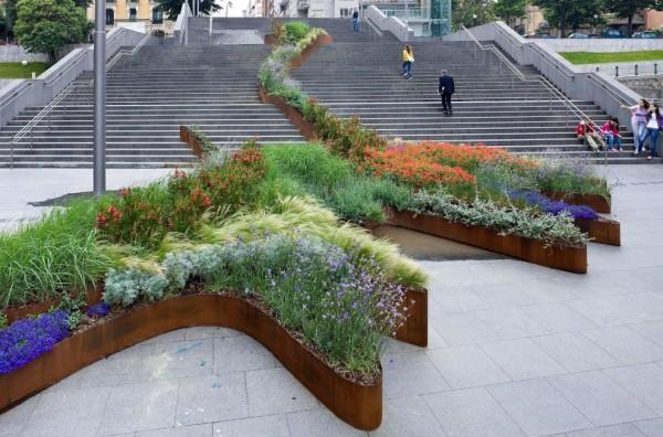 "perierga.gr - Εντυπωσιακός ""κήπος"" πάνω στις σκάλες!"