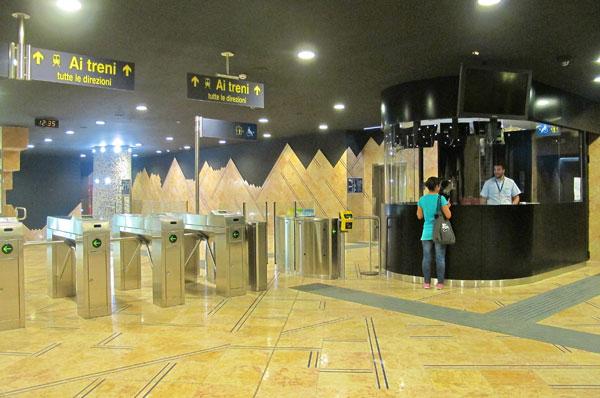 perierga.gr - Napoli Metro Station: Στα υπόγεια είναι η θέα!