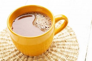 perierga.gr - Η ζεστή σοκολάτα έχει καλύτερη γεύση σε... πορτοκαλί φλιτζάνι!