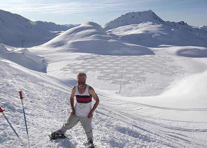 perierga.gr - Καλλιτέχνης περπατάει όλη μέρα στο χιόνι δημιουργώντας έργα τέχνης!