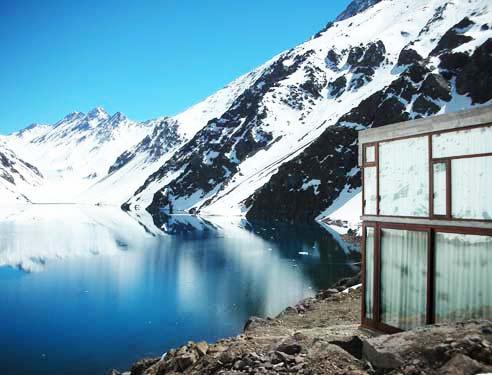 perierga.gr - Ορεινό καταφύγιο με... θέα!