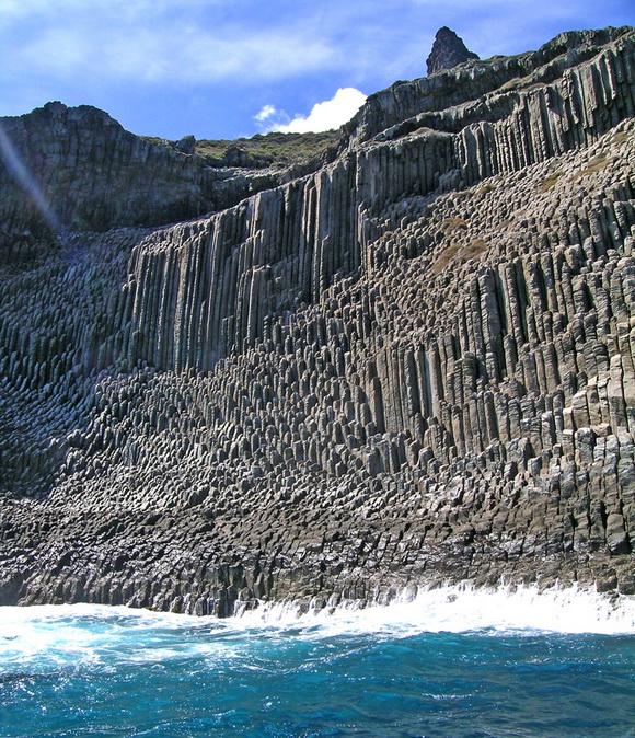 perierga.gr - Απίθανοι βραχώδεις σχηματισμοί βασάλτη στον κόσμο!
