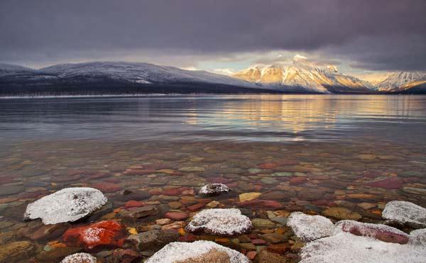 "perierga.gr - Μια ""διάφανη"" λίμνη να την... πιεις στο ποτήρι!"